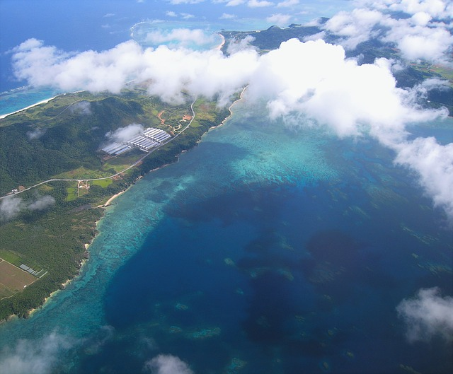 coral-reefs-1381723_640