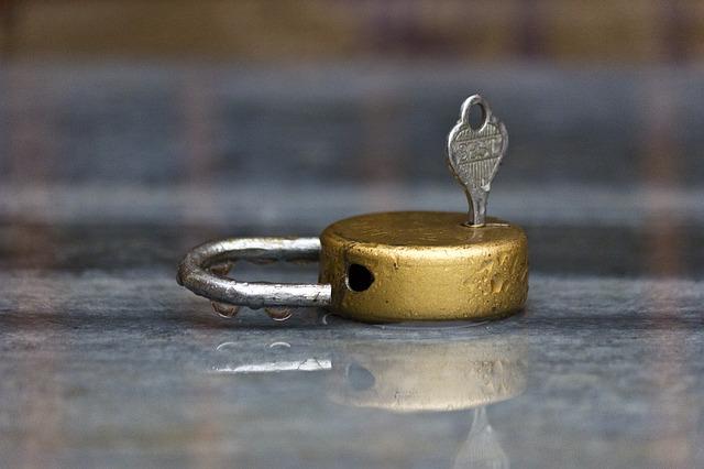 lock-143616_640