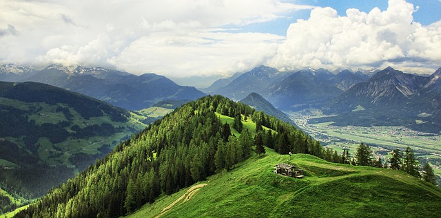 mountain-world-1495833_640